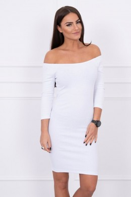 Aptempta suknelė - atvirais pečiais (Balta)