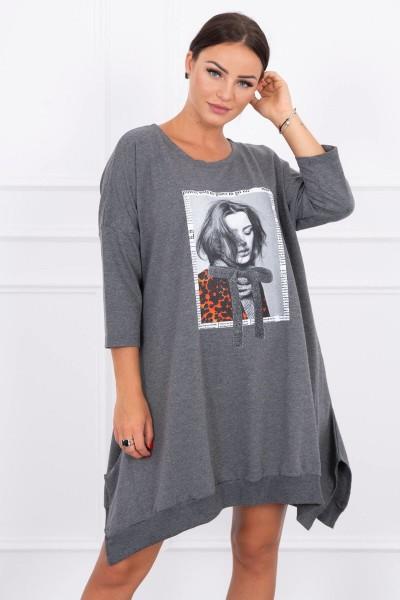 Suknelė su aplikacija ir platėjančiu sijonu (Grafito)