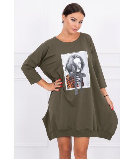 Suknelė su aplikacija ir platėjančiu sijonu (Khaki)