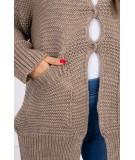 Megztinis su stilingu užsegimu (Kapučino)
