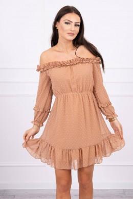 Atvirų pečių dress su stilingomis raukšlėmis (Šviesiai ruda)