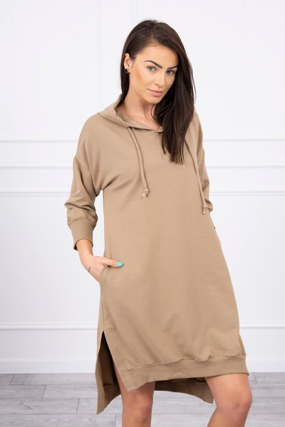 Suknelė su gobtuvu ir ilgesne nugara (Šviesiai ruda)